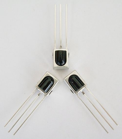 光敏电阻、光敏二极管的特性研究